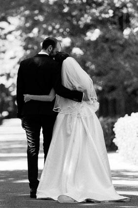 Gli sposi camminano