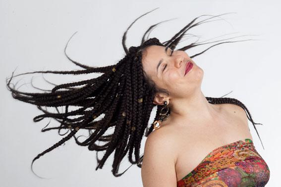Alessia capelli al vento